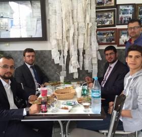 Ak parti Selçuklu gençlik kolları Başkan'ı Rafet Baştürk il yönetim kurulu üyesi avukat Muhammed Baysal gençlik kolları Başkan yardımcısı Mehmet Gülyavşan